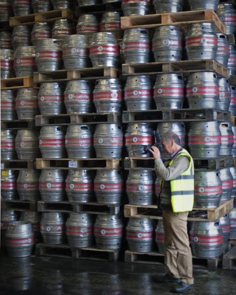 Chris Steele-Perkins photographing at the Dartmoor Brewery (Princetown, Devon, UK) for the Open for Business exhibition. (credit: Lee Jackson/Open for Business Facebook page)